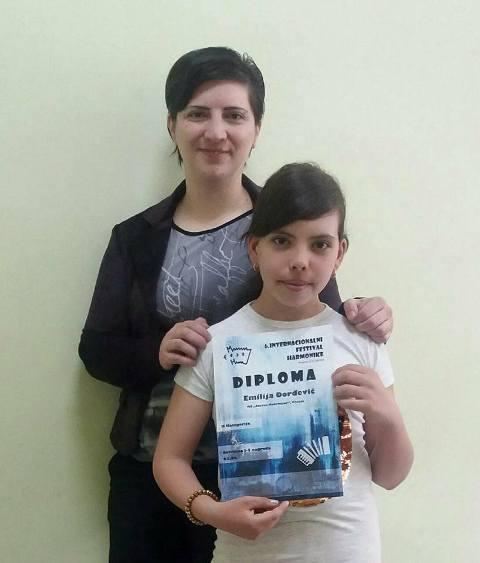 Prvo mesto za Emiliju Đorđević. Foto Fejsbuk, Muzička škola Stevan Mokranjac