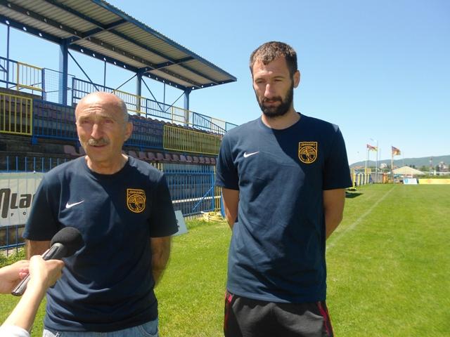 Uz pomoć navijača do pobede: Jovanović i Gašić na konferenciji za medije. Foto VranjeNews