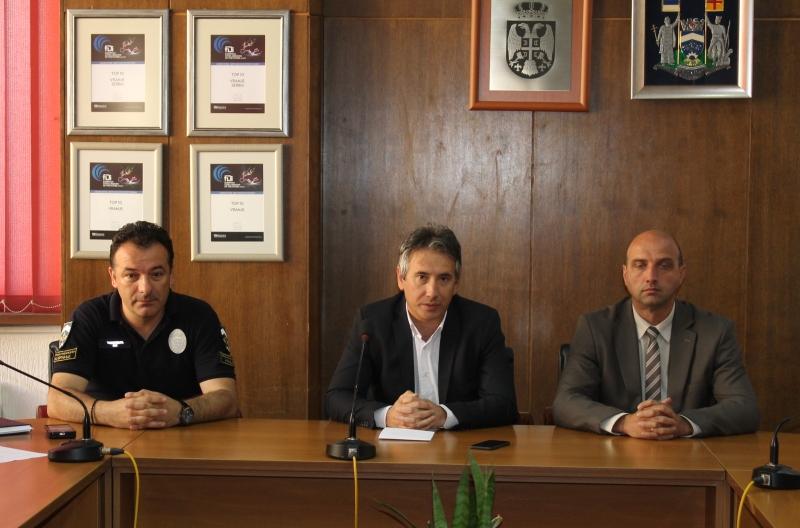 Najviši rukovodioci Grada od komunalnih policajaca očekuju odlučnu akciju. Foto Grad Vranje