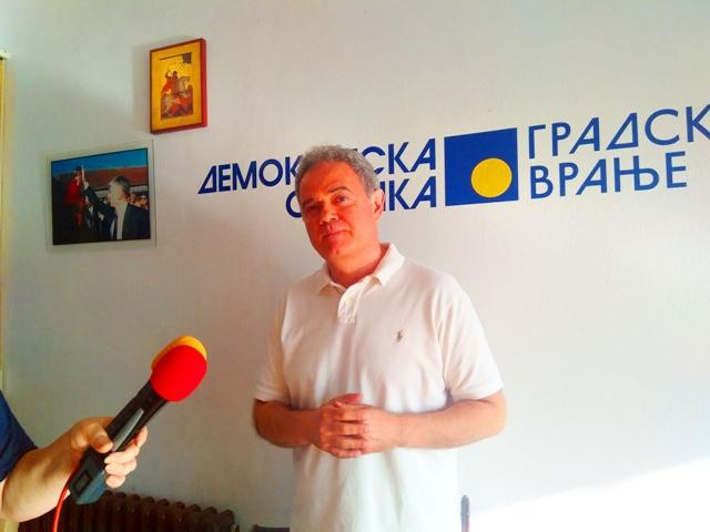 Jedan od razloga posete revitalizacija stranke. Zoran Lutovac. Foto VranjeNews
