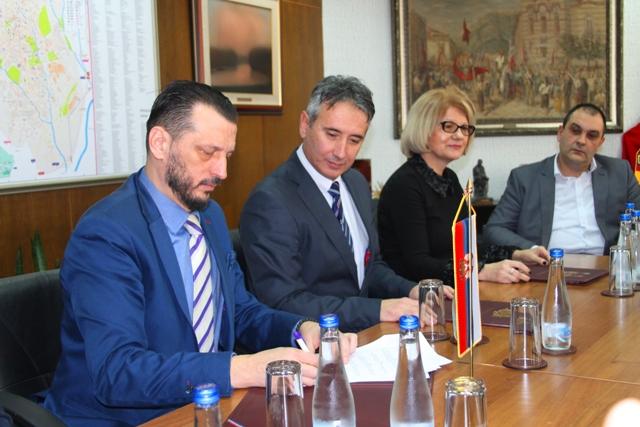 U utorak su potpisani sporazumi. Foto VranjeNews