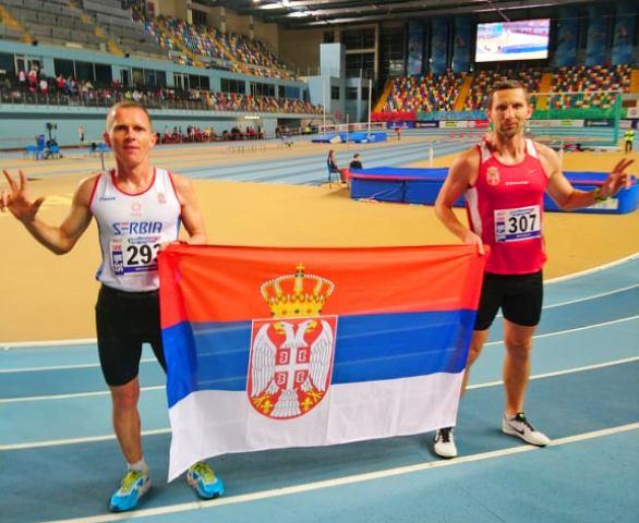 Kristijan Stošić (levo) proglašen je za najboljeg sportistu Vranja u 2018. godini. Foto privatna arhiva