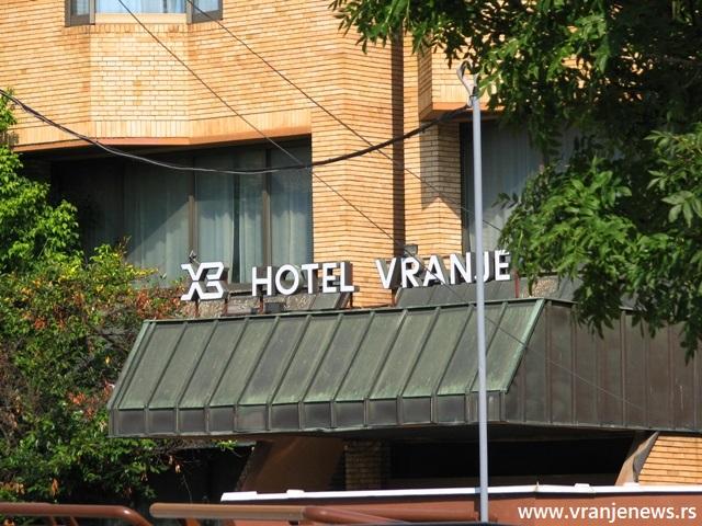 Zgrada i pomoćni objekti na skoro 8.000 kvadrata. Foto VranjeNews