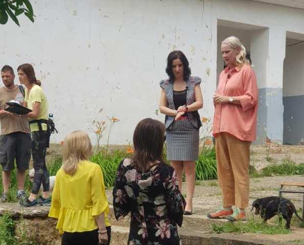 Počinje: Ekipa emisije S Tamarom u akciji u Mečkovcu. Foto OŠ Dositej Obradović