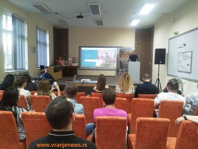 Promocija sajta održana u Svečanoj sali Gimnazije Bora Stanković. Foto VranjeNews