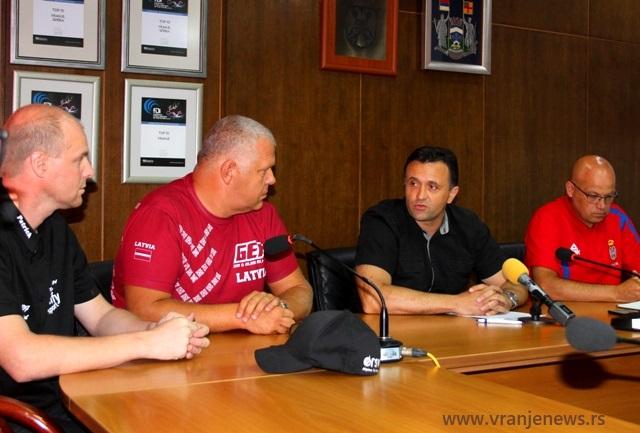 Spektakl u najavi. Foto VranjeNews