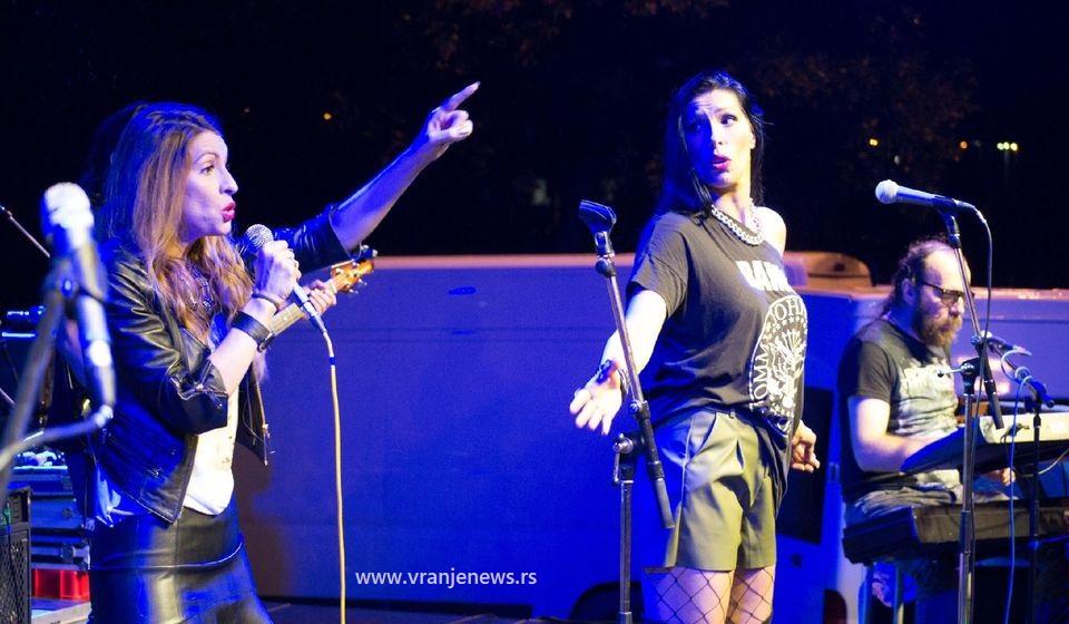 Neverne bebe na jednom od ranijih nastupa u Vranju. Foto VranjeNews