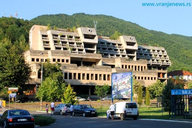 Skadar na Banjštici dobja novog vlasnika, ali će sadašnja zgrada biti srušena. Foto VranjeNews