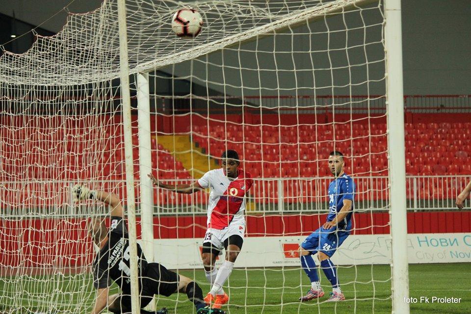 Leandro Pinto postiže izjednačujući gol za Novosađane. Foto FK Proleter