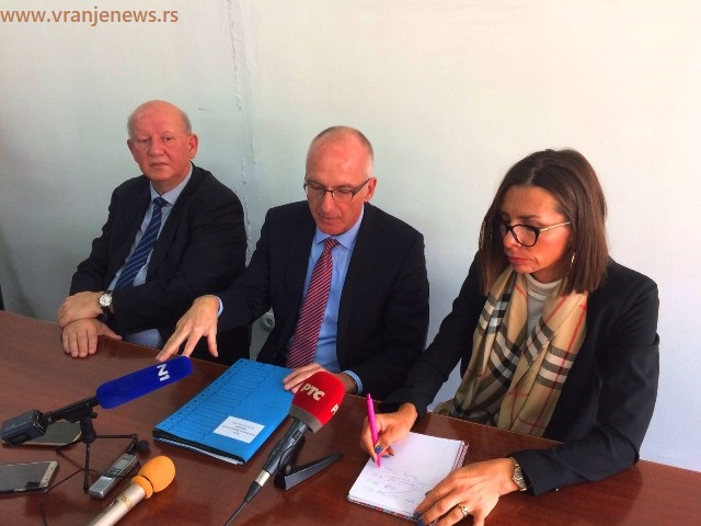 Ambasador Šib prilikom susreta sa novinarima u Bujanovcu. Foto VranjeNews