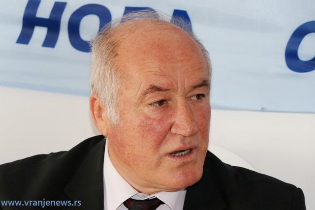 Momir Stojanović na konferenciji za medije u ponedeljak. Foto VranjeNews