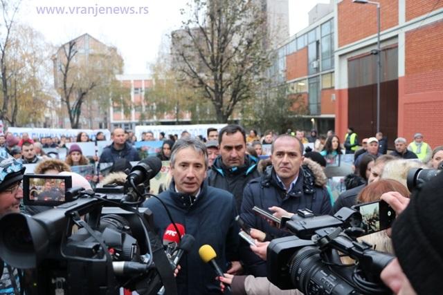 Hoće li opet u parlament: Mitrović (u sredini) i Bulatović (desno). Foto Vranje News