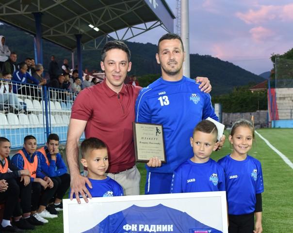 Pavlović sa predsednikom Radnika Stanislavom Tončevim. Foto FK Radnik