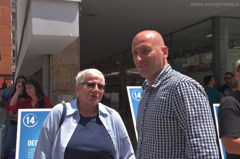Turajlićeva sa poverenikom PSG Za Vranje Nemanjom Nuhijevićem. Foto Vranje News