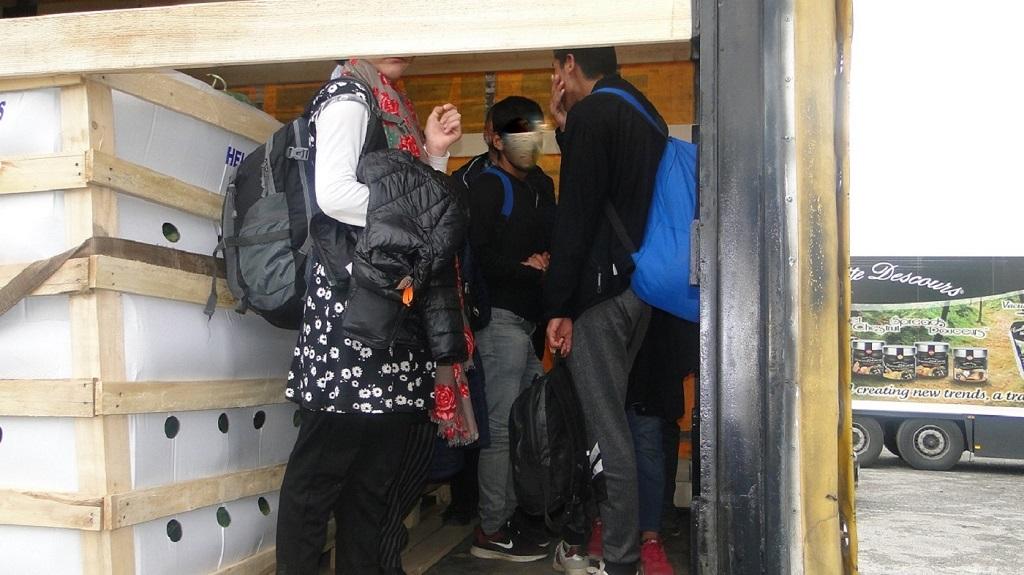 Migranti na prelazu preševo. Foto Uprava carina