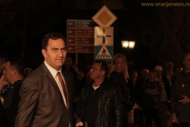 Lider SNS Nenad Mitrović tvrdi da naprednjaci i Arifijev DP imaju po 10 mandata. Foto Vranje News