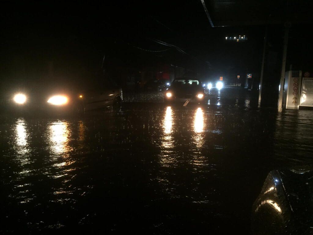 Sinoćnji prizor sa ulica u centru Bujanovca. Foto Bujanovačke
