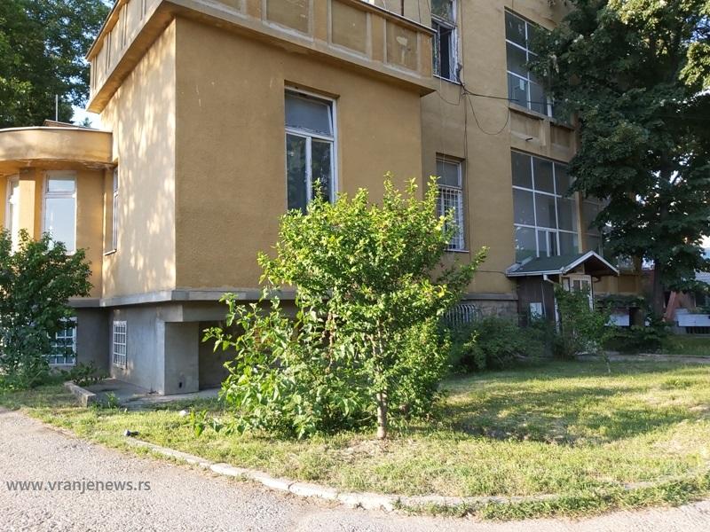 Stara hirurgija, jedna od četiri COVID bolnice u Vranju. Foto Vranje News