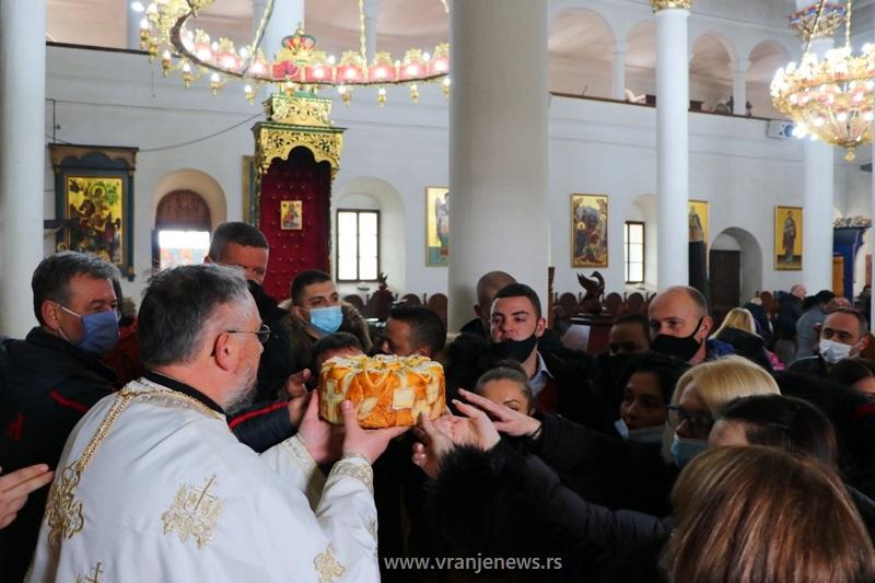 Uobičajena ceremonija u Hramu Svete trojice. Foto Vranje News