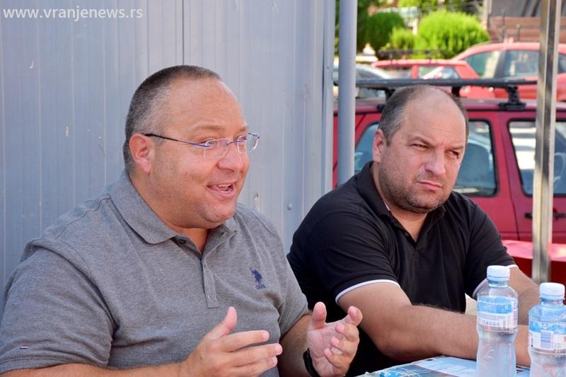 Vladimir Vuletić i predsednik Građanskog pokreta Vranje Ivica Petrušević. Foto Vranje News