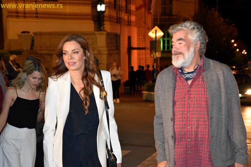 Katarina Radivojević i režiser Milutin Petrović. Foto Vranje News