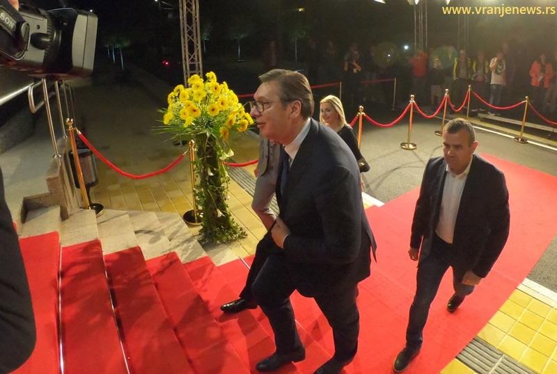 Država je našla i jednu nemačku kompaniju da zaposli bivše Geoksovce, tvrdi Vučić. Foto Vranje News