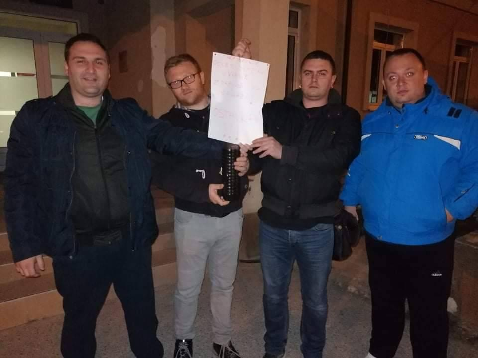 Zahtevaju istinu o ispravnosti vode u Trgovištu: predstavnici opozicije. Foto NS Trgovište