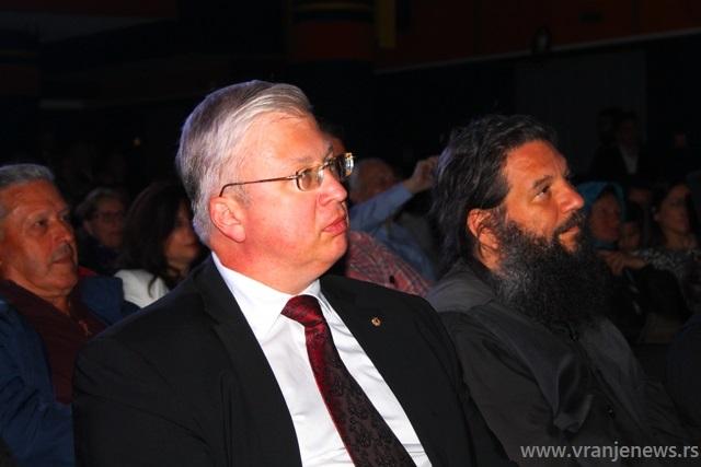 Ambasador Rusije u Skoplju Sergej Bazdnikin i otac Andrej. Foto VranjeNews