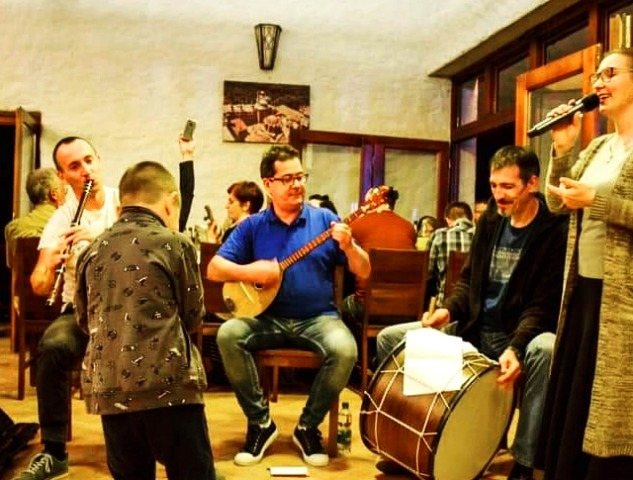 Nastup Izvora u Manastiru Draganac. Foto Fejsbuk