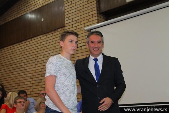 Marko Zlatanović, đak generacije u OŠ 1. maj u Vrtogošu. Foto VranjeNews