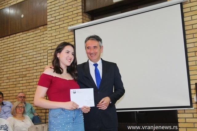 Ivana Tasić, učenica Hemijsko-tehnološke škole. Foto VranjeNews