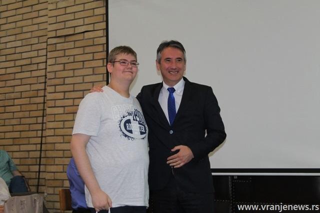 Bogdan Stefanović, đak generacije OŠ Svetozar Marković. Foto VranjeNews