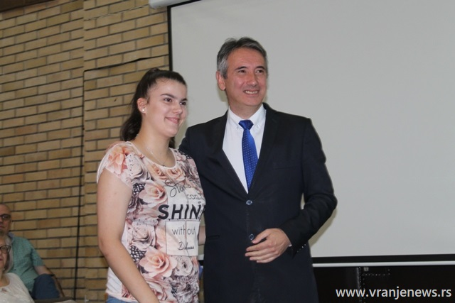 Mila Slavković, đak generacije u OŠ Bora Stanković u Tibuždu