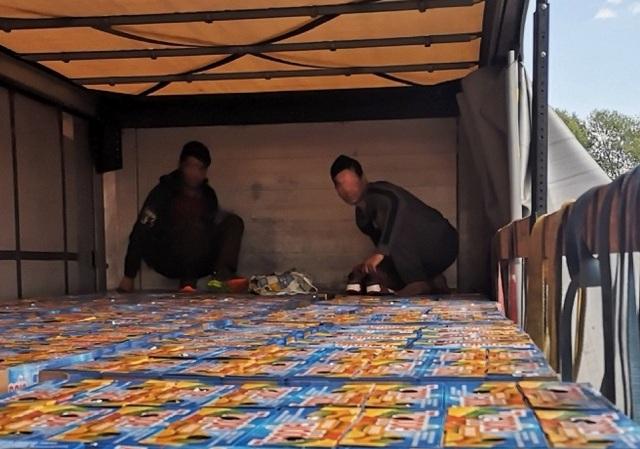 Kamion sa sokovima. Foto Uprava carina