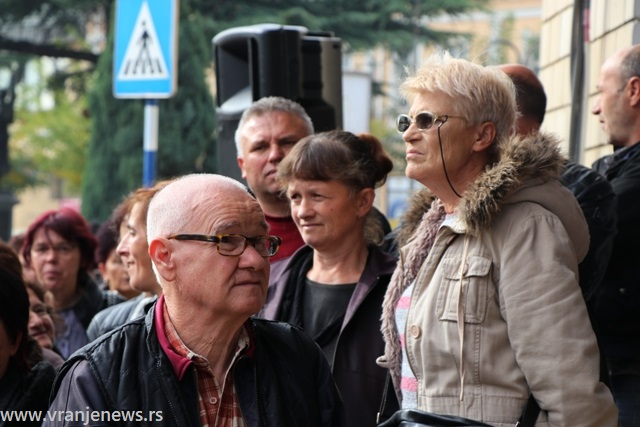 Država im duguje od 90.000 do 120.000 dinara: bivši radnici vranjske Koštane. Foto VranjeNews