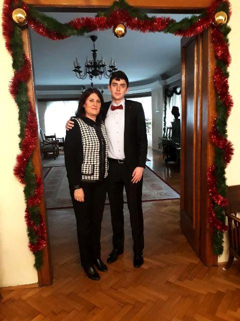 Miša Stanković sa profesorkom Vesnom Bogdanović na prijemu u SANU. Foto lična arhiva