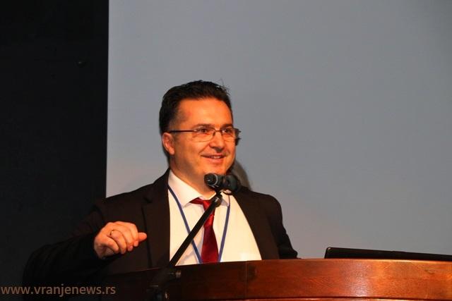 Kosta Zdravković, načelnik Dnevne bolnice za hemioterapiju. Foto VranjeNews