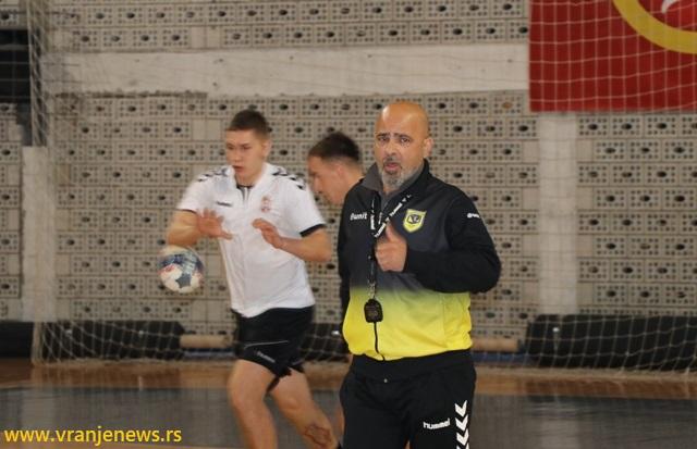 Produžena saradnja sa trenerom iz Kragujevca Goranom Veselinovićem. Foto Vranje News