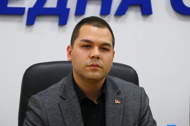Najavio krivične prijave protiv urednika i novinara: Milan Ilić (SNS). Foto Vranje News
