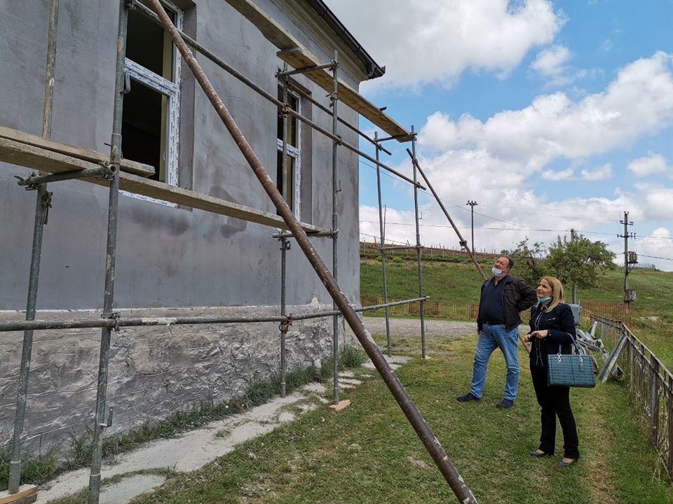 Jovićeva i Pešić obišli radove na sanaciji. Foto www.vranje.org.rs