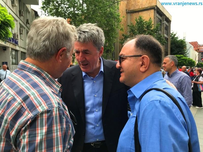 Sa Miroljubom Stojčićem i Zoranom Antićem, dvojicom ranijih gradonačelnika Vranja. Foto Vranje News