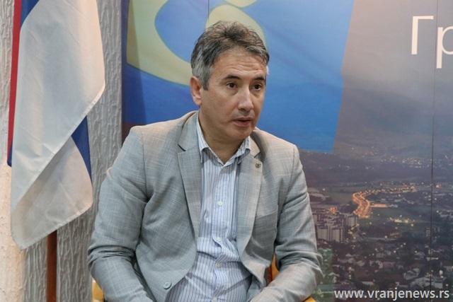 Osnovni cilj sprovedenih obuka je smanjenje niskog nivoa zaposlenosti, posebno Romkinja :Slobodan Milenković. Foto Vranje News