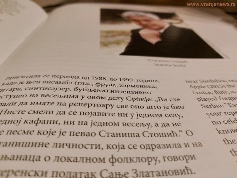 Deo monografije posvećen čuvenom vranjskom pevaču Staniši Stošiću. Foto Vranje News