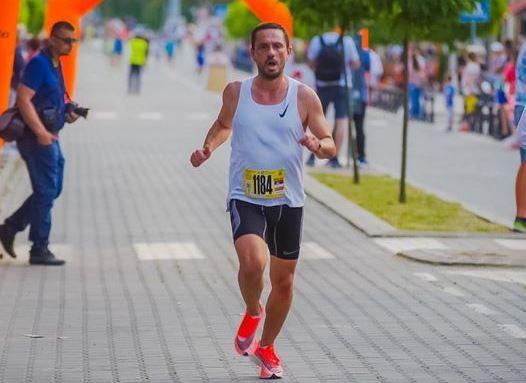 Veoma zapažen nastup Ćukovića na maratonu u Sarajevu. Foto Vranjski maratonci