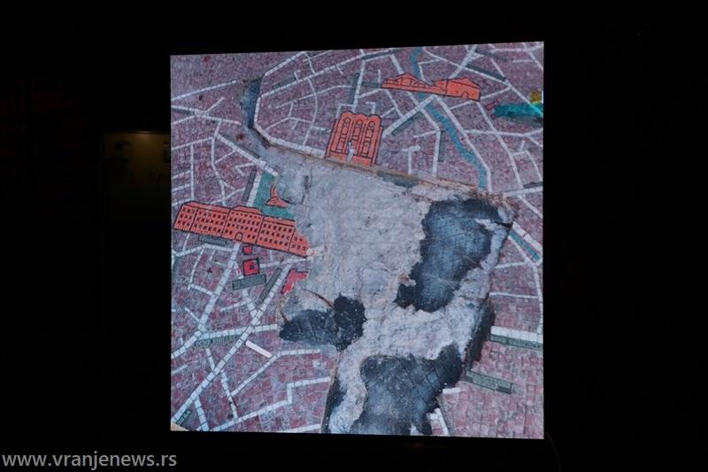 Mozaik mapa u periodu pre rekonstrukcije, sa znatnim oštećenjima. Foto Vranje News