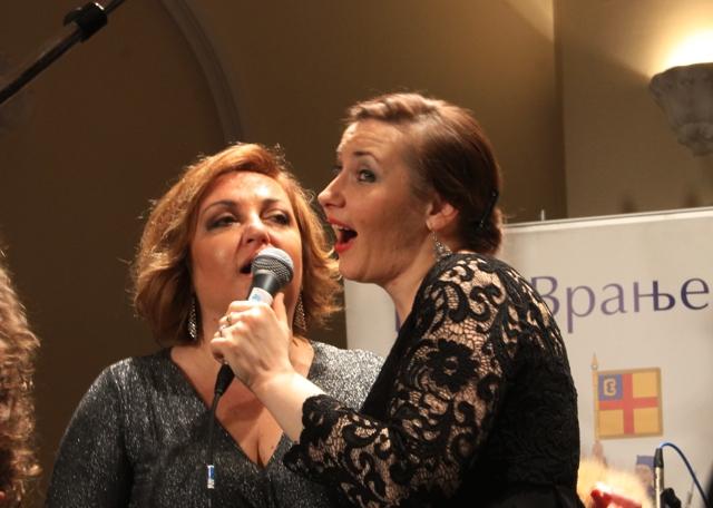 Biljana Petković i Ivana Tasić. Foto VranjeNews