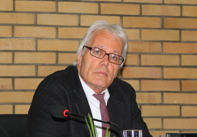 Jovanović godinama bezuspešno insistira na otvaranju staračkog doma. Foto VranjeNews