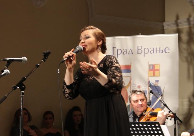 Kad Ivana Tasić zapoje vranjansko. Foto VranjeNews