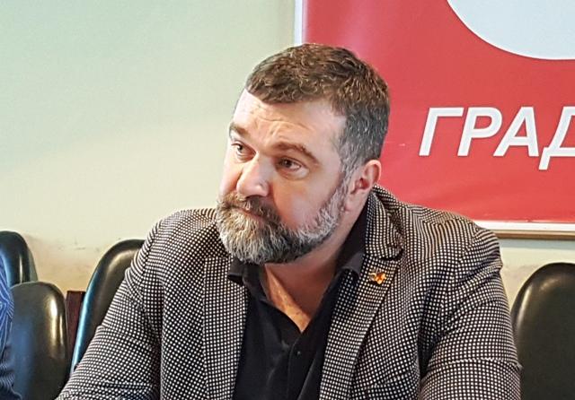 Odluka GV važi za sve vlasnike montažnih objekata. Nebojša Zupančić. Foto VranjeNews