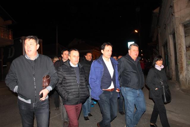 Kako do Beograda: vrh lokalnog DS-a na jednom od vranjskih protesta. Foto VranjeNews